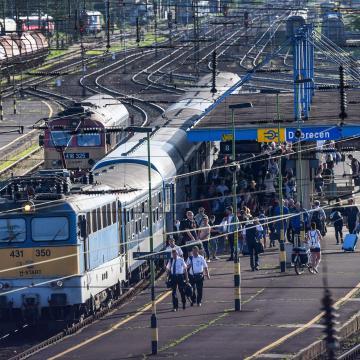 Negyven vasútállomást tesznek rendbe Debrecen térségében