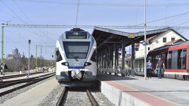 2023-ig a MÁV 50 vasútállomást újít fel