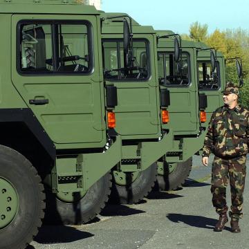 Honvédségi járművek ütköztek az M7-esen