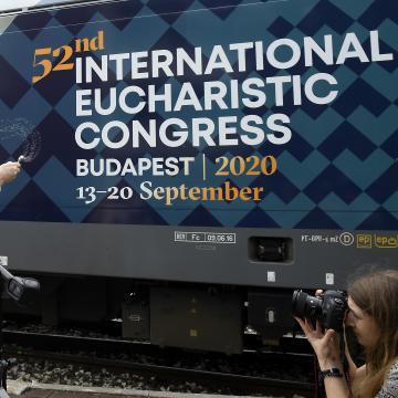 Nemzeti elsőáldozással kezdődik az eucharisztikus kongresszus