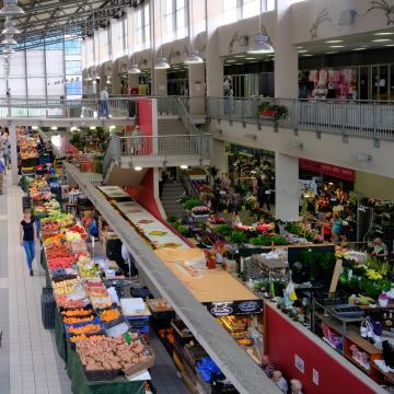 Új piac épült Mohácson