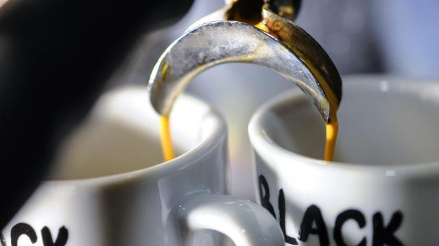 Folytatódik a szarvasi kávéfőző gyártása