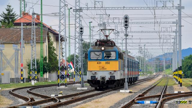 Késnek a vonatok a Budapest-Vác vonalon