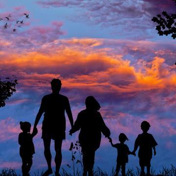 Nő a házasságkötési és a gyermekvállalási kedv
