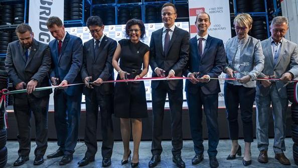 Száz új munkahelyet hozott létre a Bridgestone