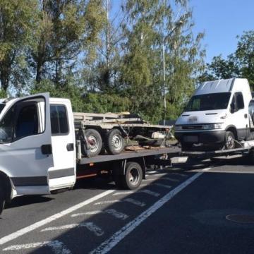 Túlsúlyos járművet állítottak meg a rendőrök