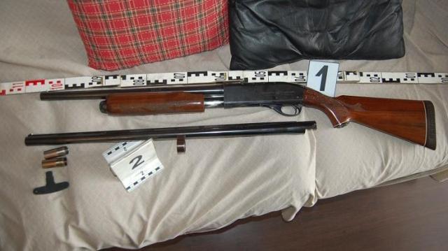 Engedély nélkül tartott lőfegyvert otthonában