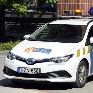 Folytatja az ellenőrzéseket a közúti közlekedési hatóság
