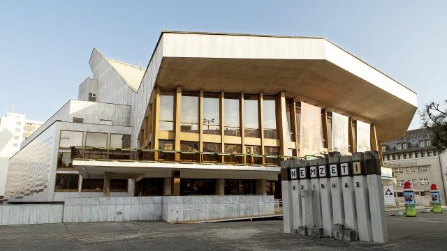 Hat nagyszínpadi bemutató a Győri Nemzeti Színház idei évadában
