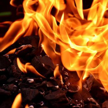 Ismerősére gyújtotta a házat, vádat emeltek ellene