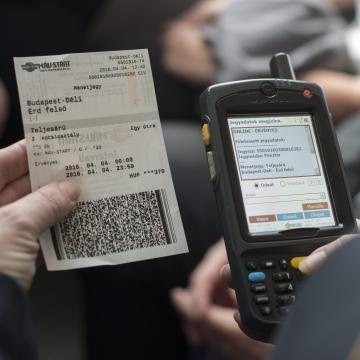 Ismét működik az online és az automatás jegyvásárlás
