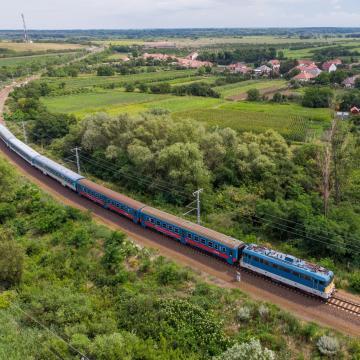 Késnek a vonatok a Budapest-Újszász-Szolnok vonalon