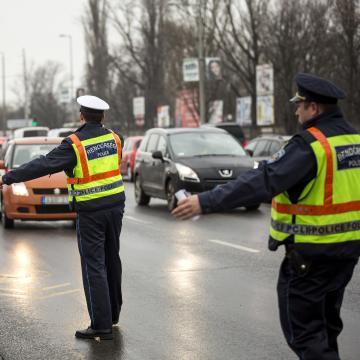 Összehangolt közúti ellenőrzés kezdődik hétfőn