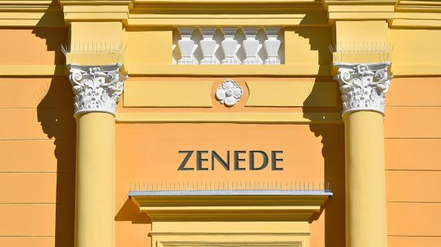 Átadták Debrecenben a Zenede felújított épületét