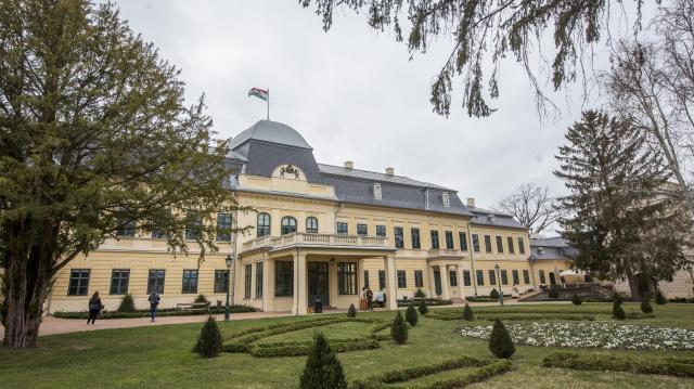 Befejeződött a csorvási Szőttes Kúria épületének felújítása