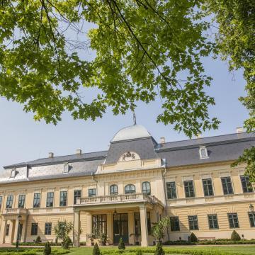 Elkezdődik a gyulai Almásy-kastély kiskastélyszárnyának felújítása