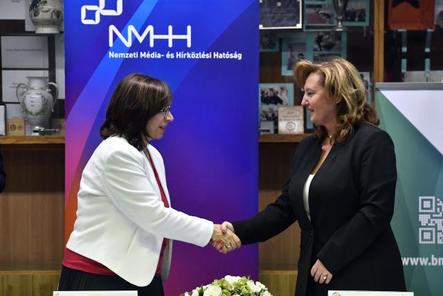 Hírközlési labort adományozott az NMHH