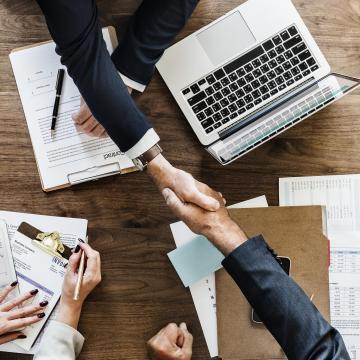 Országszerte elindulnak a képzések a vállalkozóvá válást segítő programban