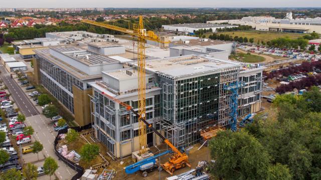 Ötmilliárd forintos fejlesztés a National Instruments debreceni gyárában