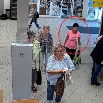 Pénztárcát lopott egy nő Székesfehérváron
