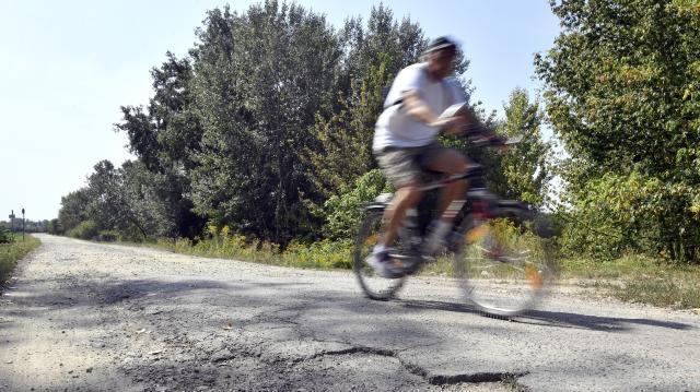 Új kerékpárút épül Pécsett