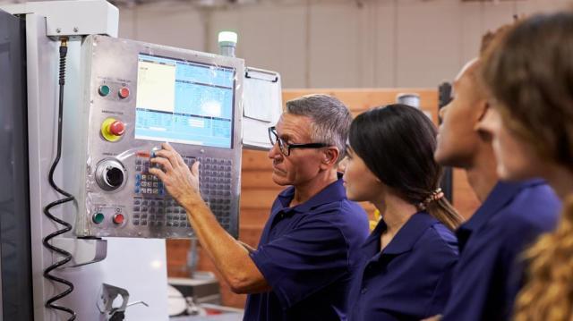 Újabb lépések a munkaerőpiachoz jobban igazodó szakképzési rendszer felé