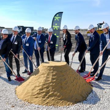 Megkezdődött a német Deufol debreceni gyárának építése