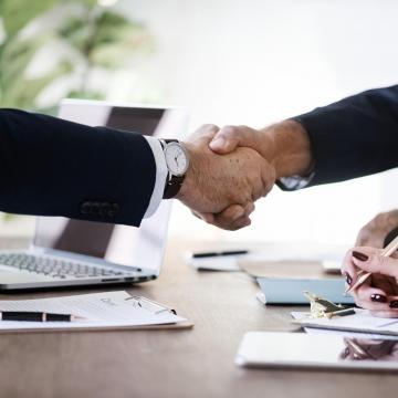 Ötmilliárd forintra pályázhatnak a kis- és középvállalkozások