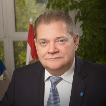 Czeglédi Gyula (Független) Hajdúszoboszló polgármestere