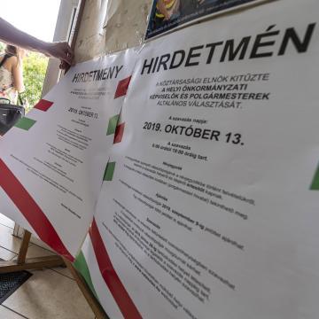 Három hetük van a plakátok eltávolítására a jelölteknek és jelölőszervezeteknek