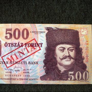 Már csak pár napig lehet fizetni a régi 500 forintos bankjegyekkel