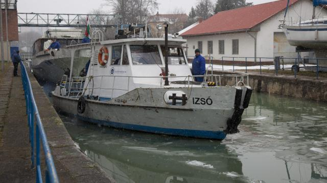 Megnyitották a Sió-zsilipet, lehetővé válik a hajózás a csatornán