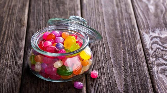 Túl sok cukrot esznek a gyerekek