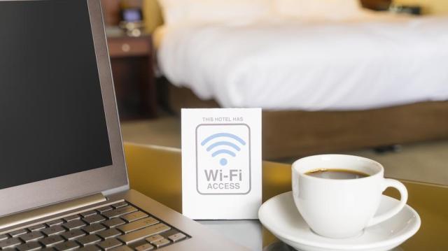 Ingyenes wifi-pontokat létesíthet 142 magyar település