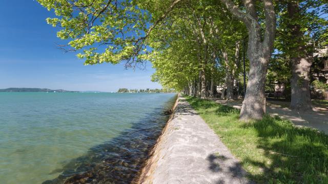 Megkezdődött az egyeztetés a Balaton partvonalának új szabályozásáról