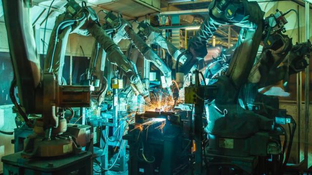 Több mint hetven gyár nyitja meg kapuit a Modern gyárak éjszakáján