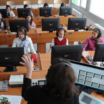 A kötelező nyelvvizsga követelménye kerüljön ki a felsőoktatási felvételi elvárások közül