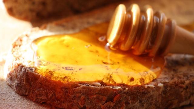 Csaknem kétszázezer gyermek kóstolt mézet a Mézes reggeli programban