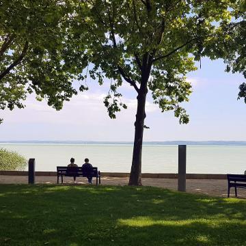 Egyeztetést sürgetnek a balatoni önkormányzatok a partvonal-tervekről