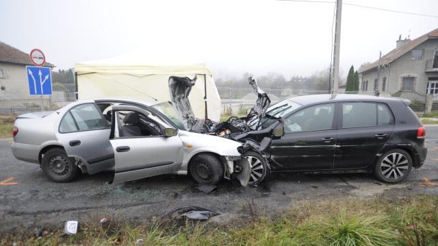 Ketten meghaltak balesetben Jászberénynél