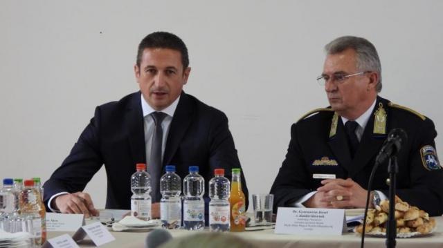 Közbiztonság egyeztető fórum Debrecenben