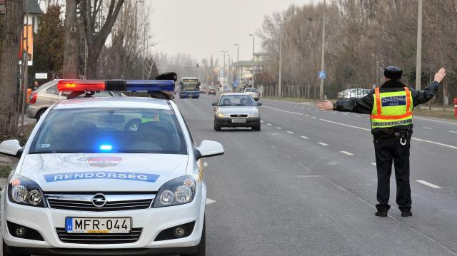 Közúti ellenőrzések a téli közlekedésbiztonság javításáért