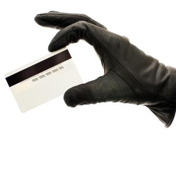 Lopott bankkártyával vásárolt a csaló