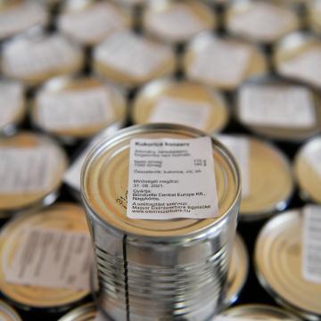 Péntektől várja az adományokat karácsonyra a Magyar Élelmiszerbank
