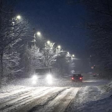 A havas eső és a havazás miatt az útburkolat mindenhol csúszós