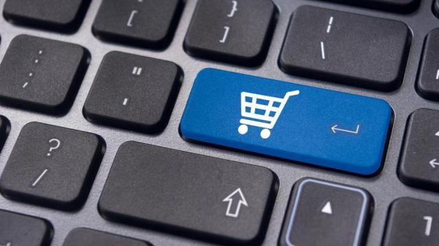 Az ellenőrzött webáruházak 90 százalékánál találtak jogsértést
