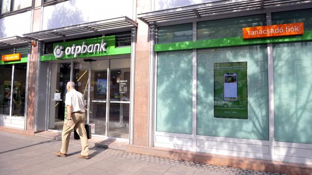 Az OTP Bank segíti a megyei jogú városok fejlesztését