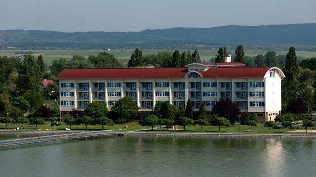 Balatonon árverez el üdülőket az MNV Zrt.