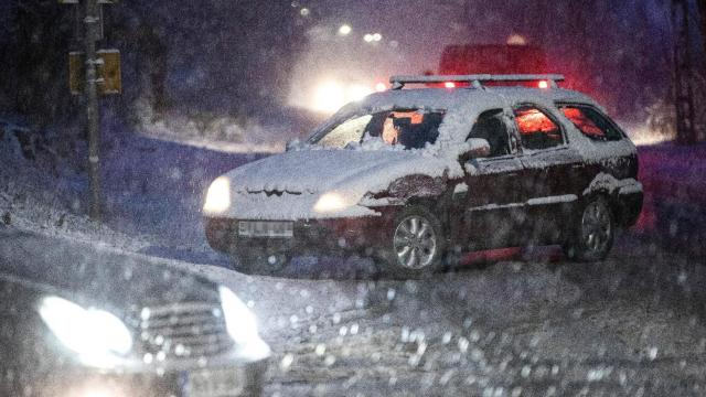 Csúsznak az utak: több baleset is történt