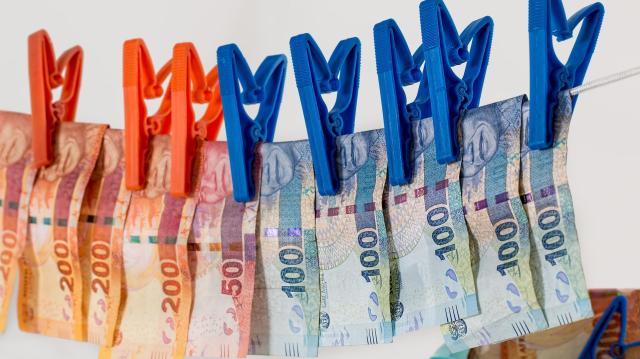 Félmilliárdos költségvetési csalás miatt indult eljárás algyői cégvezetők ellen